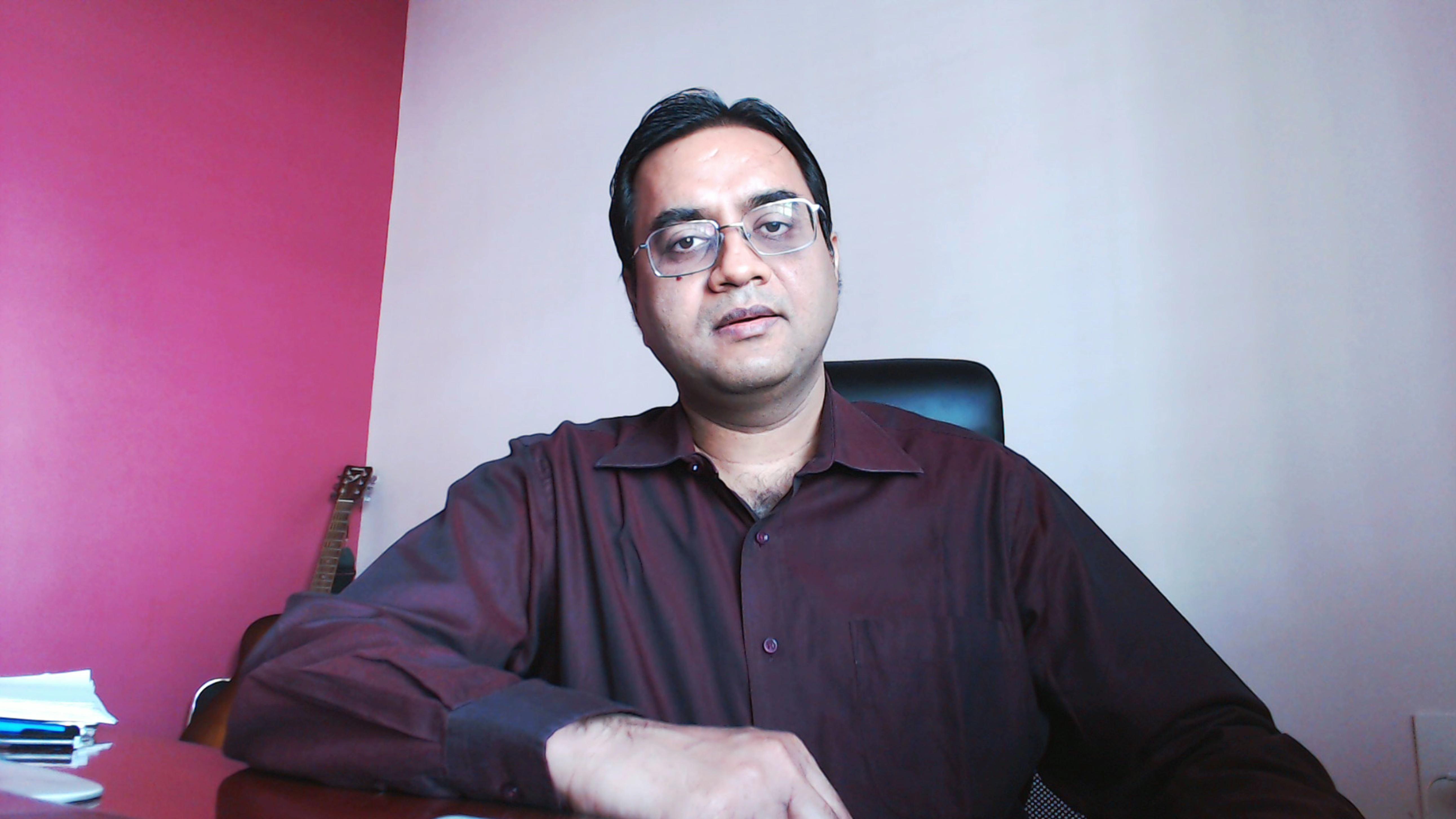 Gita-Vedanta-Guide/Astrologer Manish Verma